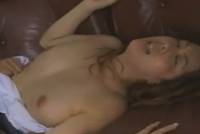 風間ゆみ 自暴自棄になった息子が母親を襲いバックからハメて中出しセックスをする